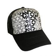 کلاه نقابدار پشت توری طرح سیاه و سفید