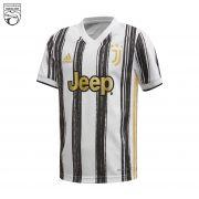 پیراهن اول باشگاه یوونتوس 2021