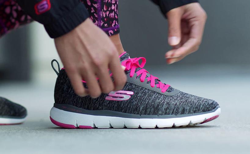 کفش برند اسکیچرز